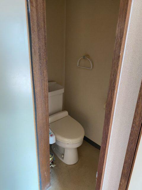 トイレ、クロス、床 全て自社施工